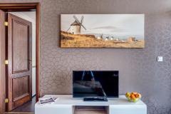 f_Livingroom_TVset_f_1