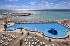 f_Beach-pool_f_1