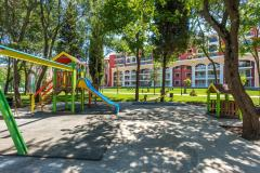 f_Playground-1_f_2