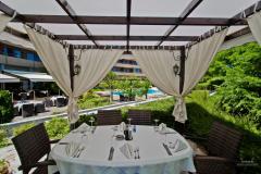 f_Main-Restaurant-Garden_f_1