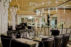 f_Royal-Castle-Restaurant_f_1