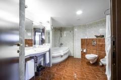 3SB_HelenaSands_bathroom