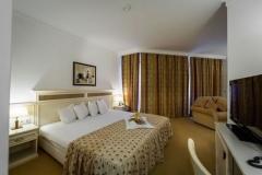3SB_HelenaSands_room2