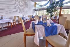 f_Restaurant-01_f_7