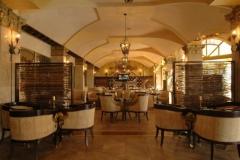 3Victoria-Palace-lobby-bar